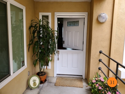 31-36x80-masonite-fiberglass-dutch-entry-door-rain-privacy-glass-smooth-skin-factory-painted-white-clearview-retractable-screen-installed-in-huntington-beach-ca