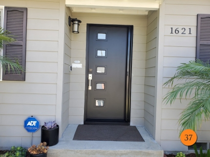 37-modern-36x80-therma-tru-s5lxe-fiberglass-entry-door-satin-etch-glass-inserts-smooth-skin-factory-painted-inkwell-installed-in-long-beach-ca