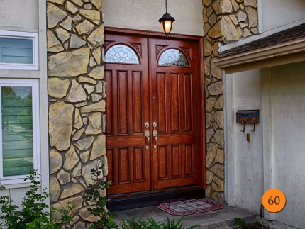 60-8-foot-tall-oak-skin-double-entry-doors-2-36x96-fiberglass-jeld-wen-aurora-a401-stained-antiqued-cashmere-b-glass-dark-patina-camin