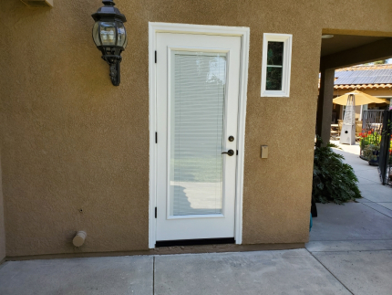 Fiberglass-side-door-with-full-retractable-blinds