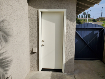 Flat-flush-smooth-Fiberglass-side-door