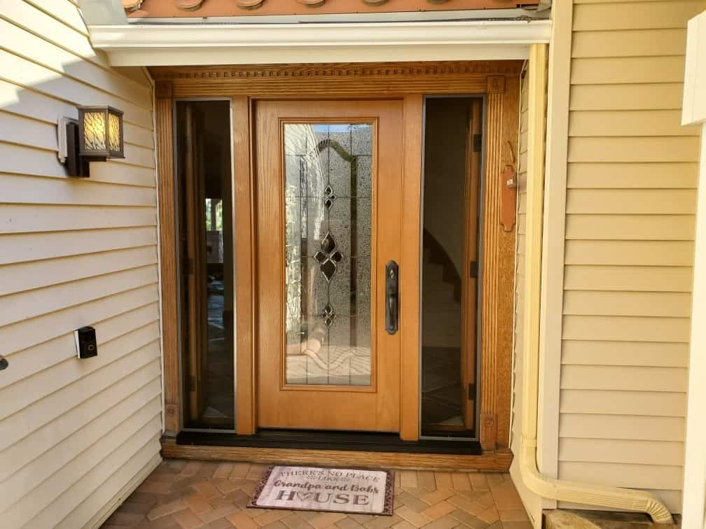 An Example of aDecorative Glass High Privacy Entry Door
